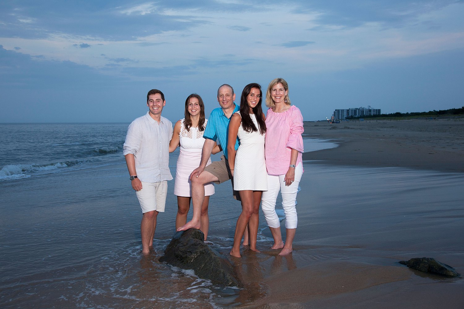Family Portrait Session | Location,beach,family.jpg